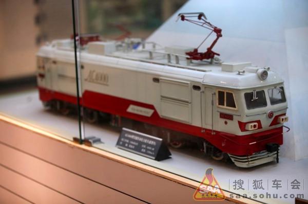"""""""蓝箭""""和ss3型电力机车"""