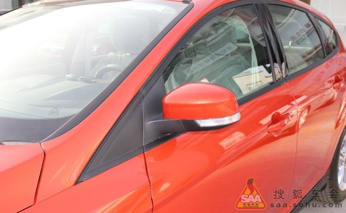 新福克斯两厢自动风尚星火红高清图片