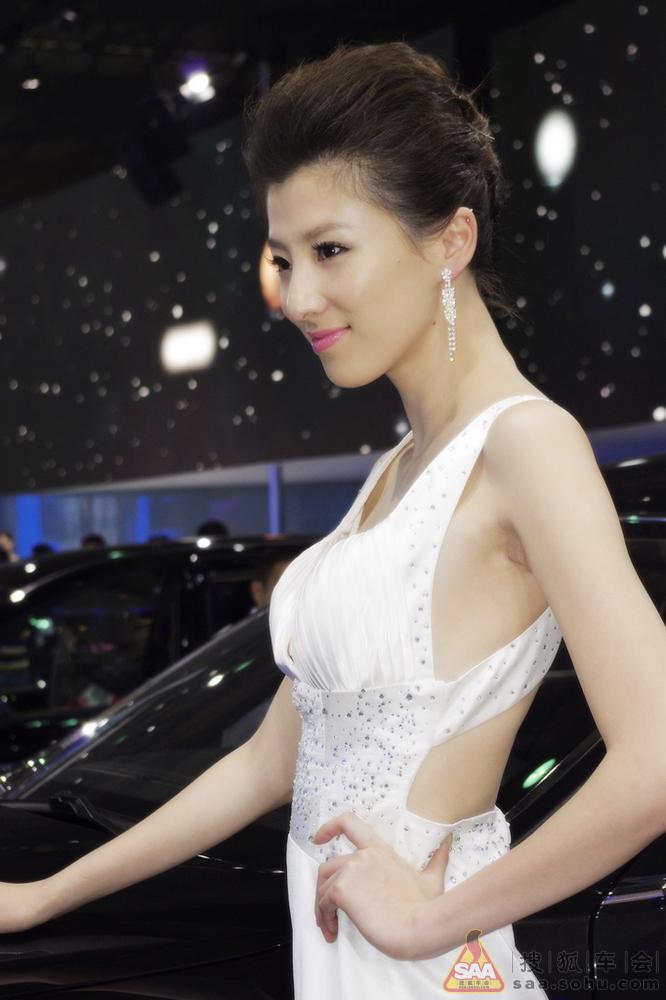 上海美女--车展榆林美女和车一个都不少图片