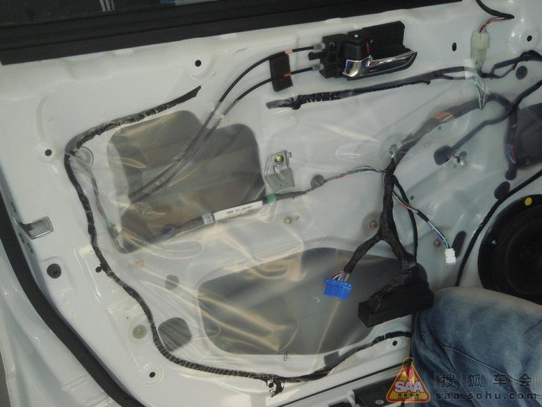 傲卫的防盗系统,无钥匙进入 自动升窗,还有什么切断电路什么的乱七八
