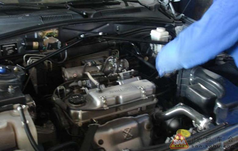 骏捷离合器压盘的维修作业高清图片