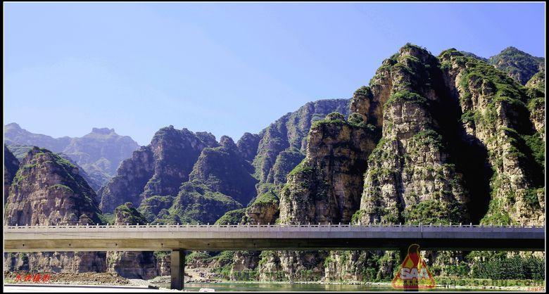 """的金秋十渡风景区更迷人,有着京西""""小桂林""""的十渡更美丽."""