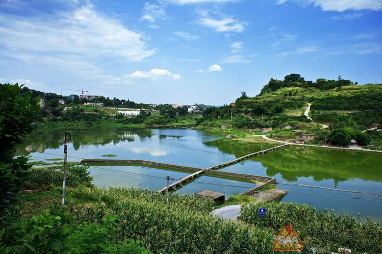 现在开发为旅游渡假区后,叫长寿湖风景区.